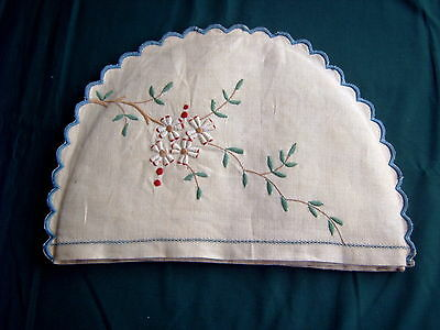 VINTAGE TEA COSY - MACHINE EMBROIDERY - CREAM LINEN - 26 X 18 cms INSIDE