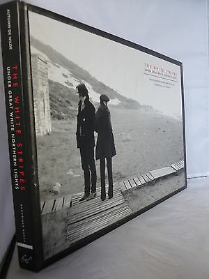 The White Stripes - Under Great Northern Lights - Photos HB Illustrated 2009