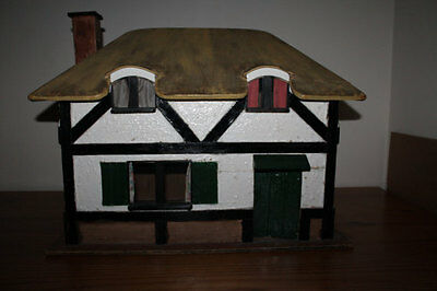 Vintage Triang Dolls House The Queen's Doll's House 1924