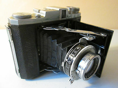 Vintage Zenobia CI 4.5 x6 120 Roll film Camera W/Zenobia Synchro-Flash Gun & Box