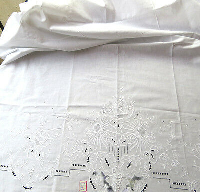 NWT Vintage Hand Embroidered Floral Roses Mums White Cotton Sheet Bed Cover