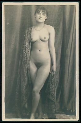 French full nude woman unveiled Grundworth ? original 1920s photo postcard