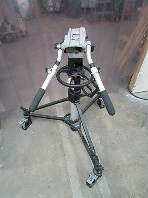 Vinten Vision 100 Fluid Head with Vision Pedastal with Repaired Head