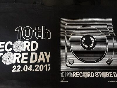 """Fred Perry """"Unknown Pleasures"""" Record Store Bag 2017 & 10th RSD Bag. Nearly New."""