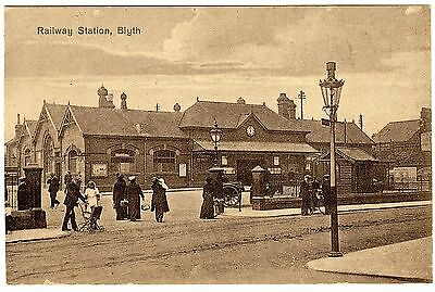 Printed Postcard T. Allen Cabs Office-Blyth Railway Station Front-Northumberland