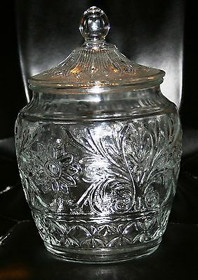 Vintage Collectible Anchor Hocking Glass Sandwich Crystal Cookie Jar Beautiful !