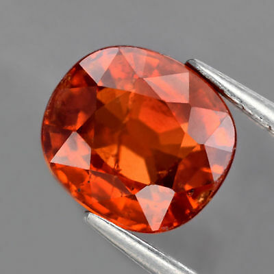 1.57 ct. Toller ovaler 6.5 x 6 mm Cushion Spessartin Granat
