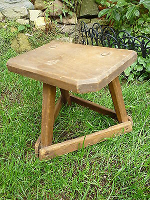 ANTIQUE VINTAGE WOODEN MILKING STOOL RUSTIC FRENCH COUNTRY shabby chic farmhouse