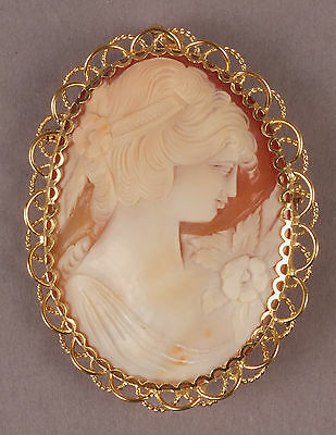 Fine Antique Shell Cameo Brooch Pendant Young Girl & Flowers in 18K Gold Frame.