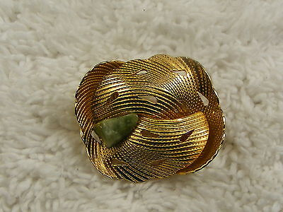 Green Stone Goldtone Leaf Pin (D21)