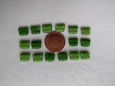 VINTAGE CZECH GLASS BUTTERFLY BEADS 16 - VERIGATE SHADES OF GREEN 8mm x 5mm