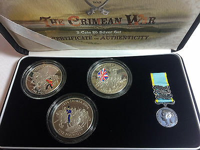 2004 Silver CRIMEAN WAR Channel Island 5 Pound coloured 3 COIN SET with MEDAL