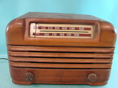 Vintage Philco Model 42-PT-7 Art Deco Wood Table Tube Radio Receiver Retro