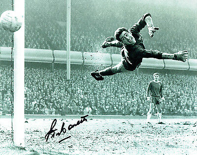 Peter BONETTI Signed Autograph 10x8 Photo Chelsea Goalkeeper AFTAL COA