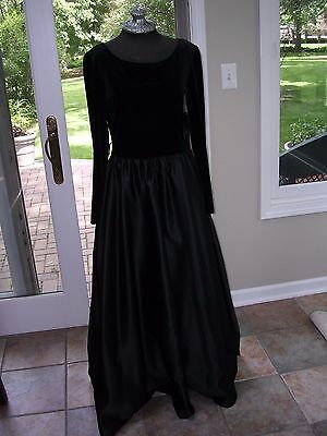 Ladies Velvet DICKENS COSTUME Victorian Black Gown Dress Steampunk SZ MED