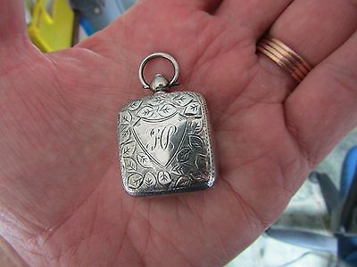 Beautiful square SILVER 1911 Antique engraved SOVEREIGN CASE by J. Gloster Birm.