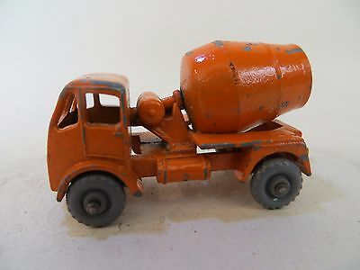 MATCHBOX 26a ERF CEMENT MIXER. VINTAGE 'MOKO'. 26. GOOD. GREY PLASTIC WHEELS
