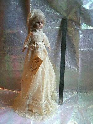 "LOUIS NICHOLE HEIRLOOM COLLECTIONS 13"" ETHERIAL PORCELAIN DOLL w/stand MINT COND"