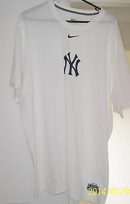 New York Yankees - Nike Dri Fit Top - Authentic Collection Apparel - Xxl