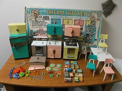 VINTAGE 60s DELUXE READING BARBIE DREAM KITCHEN W/BOX-INCOMPLETE-5-DAY AUCTION!