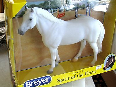 Breyer Snowman #1708 Age: 8+ Traditional Scale: 1:9 Harry de Leyer Jumping Horse