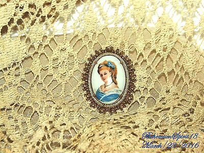 Antique Vintage Limoges Handpainted Lady Cameo Ornate Frame Pendent/brooch