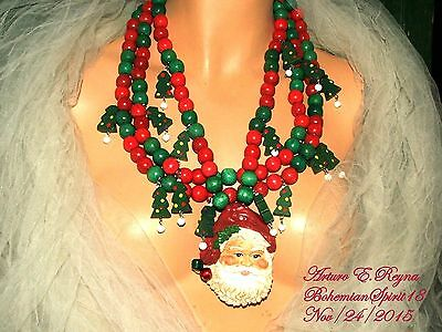 Arturo E.Reyna VINTAGE CHRISTMAS WOODEN CHARMS & BEADS SANTA BIB NECKLACE