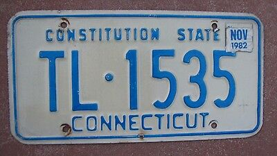"""Connecticut 1982 Auto Pass License Plate """" Tl  1535 """" Constitution State  Ct 82"""