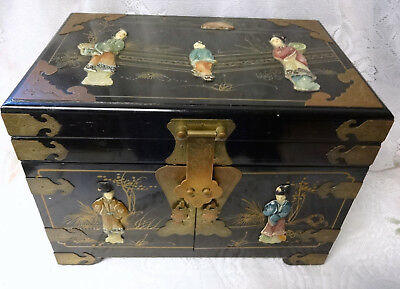 Chinese Hand Carved Famile Blak Wood Jewelry Lacquer Box Chest Cabinet