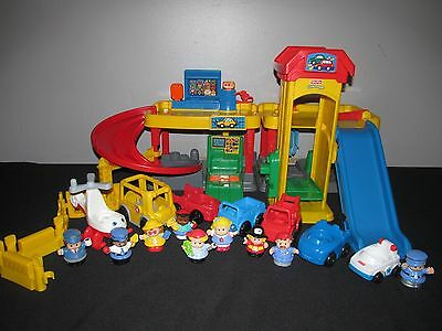 Loaded Fisher Price Little People Fun Sounds Ramps Around Garage Rampway Lot