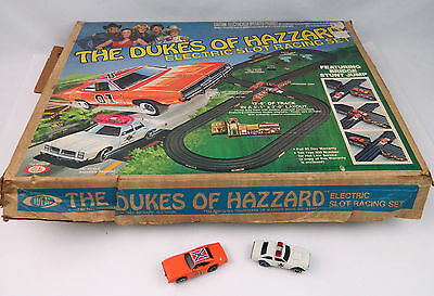 Ideal The Dukes Of Hazzard Electric Slot Racing Set 1981 Complete w/ General Lee