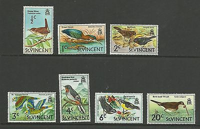 ST VINCENT Selection of Birds   mounted mint