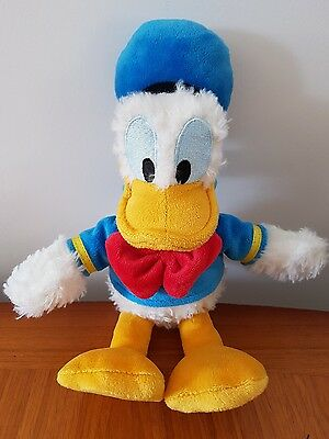 disney park donald duck