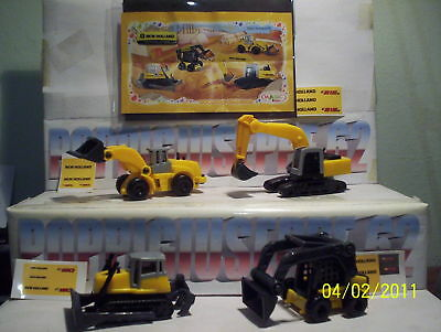 kinder maxi UN-NEW HOLLAND serie completa  + cartine