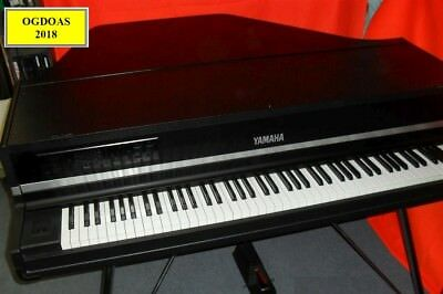 YAMAHA CP80M with MIDI out , Equalizer , Pedal and original dual Flight Case