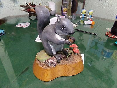 1989 Wood Hand Carved & Painted Gray Squirrel w/ Acorn & Mushrooms By W.M.