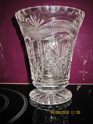 Vintage,beautiful Deep Cut Crystal Pedestal Vase,with Glass Frog 16.5 Cm Tall,
