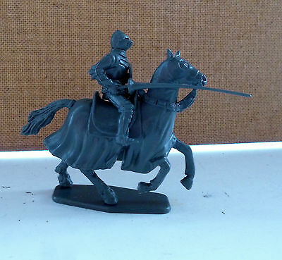 Revell O Accurate 100 Year's War French Knights Figura N. 1 Scala 1/35 Plastica