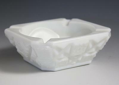 Westmoreland Old Quilt Pattern Milk Glass Ashtray Ash Tray