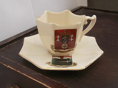 Small Cup  And Saucer Crested Calais 1347 - 1558 Arcadian Import To France