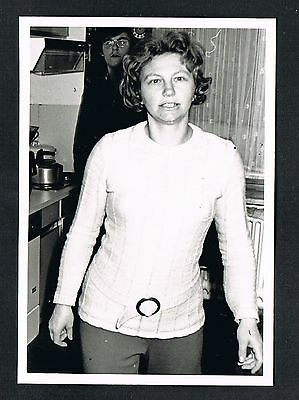 FOTO vintage PHOTO, Frau Dame Küche woman kitchen femme cuisine /119