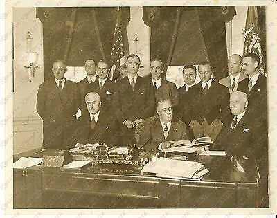 1933 WASHINGTON - President Franklin ROOSEVELT and italian minister Guido JUNG