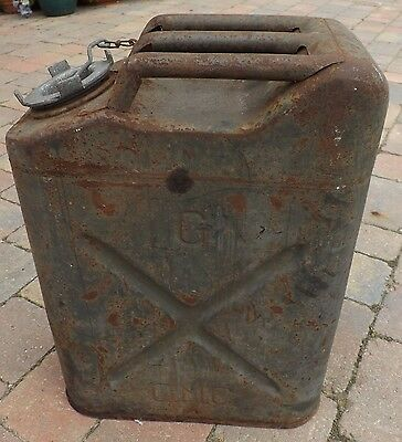 US Army WW2 Gas Can , Jerry Can J R TOY 1945 , original paint , good used