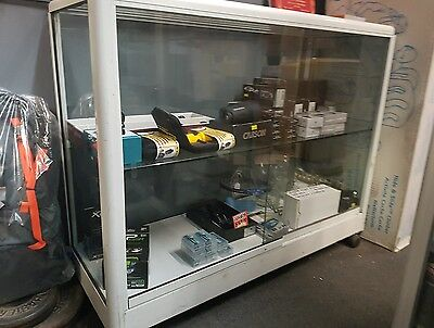 Small Display Cabinet for Retail Shop