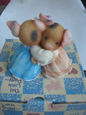1996 This Little Piggy Friends Hugging Figurine With Box