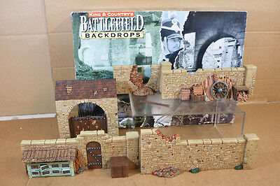 KING & COUNTRY SP018 NAPOLEONIC WARS FRENCH FARM COURTYARD DIORAMA BOXED nk