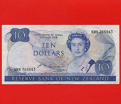 1981 - 1985 New Zealand 10 Dollar Reserve Bank Note SN NMN366843