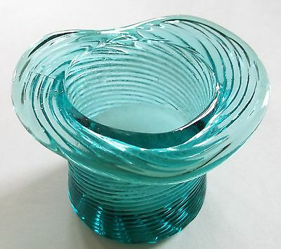 Avon American Heirloom Teal Pitkin Swirl Glass Top Hat Candle Holder 1981 2 3/4""