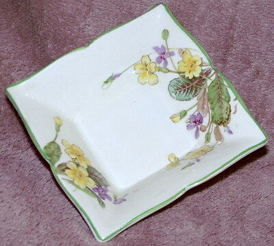 """Royal Doulton """"april"""" Pattern Vhtf Pindish - Excellent Condition"""