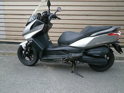 Kymco Downtown 125 EFI 2012  Automatic Commuter Scooter mot 16234 miles